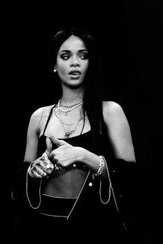 My girl Rihanna. Rihanna Love, Rihanna Riri, Rihanna Style, Beyonce, Icon Girl, Estilo Jenner, Fille Gangsta, Black And White Aesthetic, Bad Gal