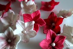 How to make a petunia from fondant