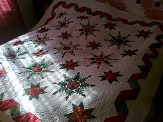 Denise' s Room: Sono tornati! Snowflake Quilt, Jewelry Knots, Star Blocks, Green Quilt, Star Quilts, Green Christmas, Red Green, Hand Knitting, Machine Embroidery