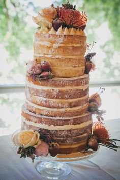 Rustic naked cake |