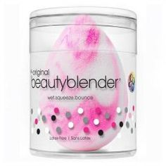 Flawless makeup application truly is an art and beautyblender swirl pays homage to that fact. With this artist's tool in hand, a perfect complexion is just a few bounces away. Give your beauty routine a reboot with this pink marbled blender made Smokey Eye Makeup Tutorial, Eye Tutorial, Cosmetic Kit, Simple Eye Makeup, Cc Cream, No Foundation Makeup, Beauty Blender, Latex Free, Things That Bounce