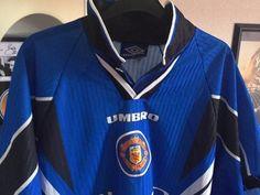 Selling: Man Utd 1997 blue third jersey