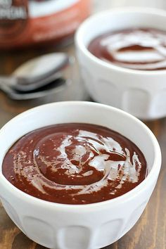 Looking for a diet-friendly dessert? Check out this Protein Pudding Recipe! Only a few iingredients for a delicious chocolatey dessert filled with protein! Healthy Work Snacks, Super Healthy Recipes, Easy Healthy Breakfast, Healthy Desserts, Healthy Tips, Shake Recipes, Pudding Recipes, Dessert Recipes, Dinner Recipes For Kids