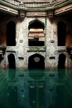 Abandoned in Mumbai, care for a dip anyone? never in my life,something would drag me under........