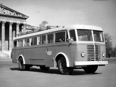 This was an export model developed in 1950 for Warsaw Pact markets, but equipment shortages led to their use in Hungary by Mavaut. Warsaw Pact, New Bus, Vader Star Wars, Busses, Commercial Vehicle, Budapest Hungary, Boat, Trucks, Vehicles