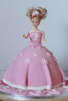 een roze prinsessentaart voor kleindochter Amber