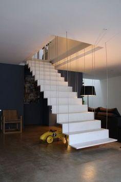 loft snaky escalier en beton ductal Plus Metal Stairs, Loft Stairs, Modern Stairs, House Stairs, Architecture Design, Escalier Design, Stair Handrail, Stair Decor, Interior Stairs