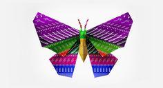 Origami    Mariposa de origami y texturas de tipografía