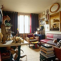 A Collector's Home in London - AD Magazine - via Keltainen talo rannalla