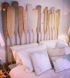 Des rames en guise de tête de lit #seaside #decor