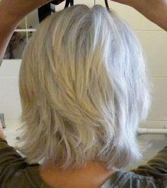Back of layered hair cut beauty & style короткие стрижки, ши Medium Hair Styles, Short Hair Styles, Silver Grey Hair, White Hair, Great Hair, Hair Today, Hair Dos, 50 Hair, Short Hair Cuts