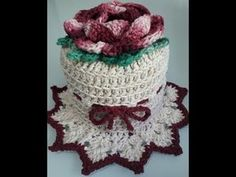 Porta Papel Higiênico Fiore - Reciclagem CD Crochê - YouTube Crochet Edging Patterns, Crochet Designs, Tissue Box Covers, Tissue Boxes, Crochet Doilies, Crochet Flowers, Crochet Toilet Roll Cover, Diy And Crafts, Crafts For Kids