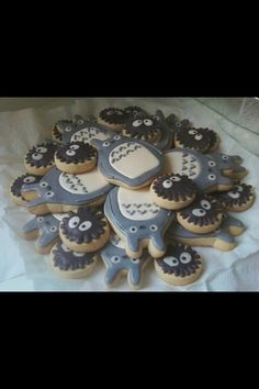 totoro and sprites cookies. More totoro madness :)