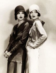 vintage everyday: 25 Vintage Portraits of Beautiful Women With Cloche Hats in the 1920s