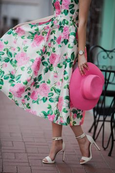 ENG: Hello, everyone! You know my long time addiction to floral print, and who follows me on Instagram also knows that cute ...