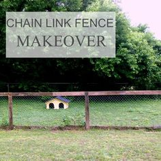 Upgrading a chain link fence - Mom in Music City chain link fence makeover Chain Link Fence Privacy, Chain Link Fence Parts, Cheap Privacy Fence, Chain Fence, Privacy Fence Designs, Patio Privacy, Diy Garden Fence, Backyard Fences, Backyard Landscaping