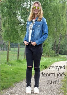#destroyedspijkerjack #destroyeddenimjacket #denimjacket #kapotspijkerjack #fashion #outfit #outfitpost #howtostyledenmjacket #destroyedoutfit #destroyeddenimjacketoutfit