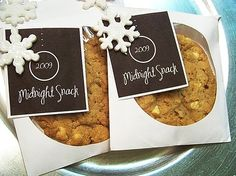 use cd sleeves for party favor o even hand-delivered invite with a yummy cookie inside. I also like this to add to New year's gift baskets with sparkling juice - perfect for a midnight snack.