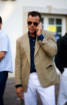 Men, dressing like George Cortina is always a good idea!