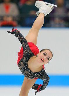 フィギュア:日本がジャパンオープン優勝 2年ぶり9度目 - 毎日新聞 Kaetlyn Osmond, Russian Figure Skater, Alina Zagitova, Medvedeva, Ice Skaters, Figure Skating Dresses, Ice Queen, Female Athletes, Sports Women