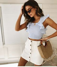 58 Impressive Casual Women Outfit On Vacation To Copy Right Now - Trendy Outfits Spring Outfits, Trendy Outfits, Cute Outfits, Summer Outfit, Casual Summer, Sweater Outfits, White Skirts, Mini Skirts, White Skirt Outfits