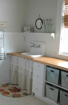 Ok, this way it's not fair! With a laundry room like this, Also this job would be a pleasure!!!