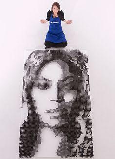 Food Artist Michelle Wibowo Creates An Edible Portrait Of Beyoncé Using Oreo Pops  - UK
