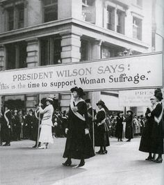 August 1920 - Women are given the right to vote when the Amendment to the United States constitution grants universal women's suffrage. Also known as the Susan B. Anthony amendment, in recognition of her important campaign to win the right to vote. Women Rights, Women Right To Vote, 19th Amendment, Suffrage Movement, Brave Women, Roaring Twenties, Thats The Way, Victoria, Women In History