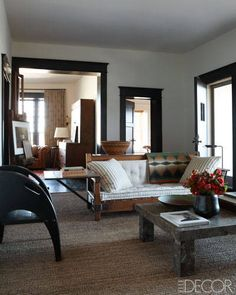 The Marfa, Texas home of Sam Hamilton and Jen Chalken. Designed by Mark Cunningham . Featured in Elle Decor June Lone Star Sta. 1930s Decor, Inviting Home, Art Deco Furniture, Apartment Design, Elle Decor, Decoration, Interior Inspiration, Living Spaces, Living Rooms
