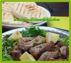 Een smakelijke Marokkaanse manier om kalfslever te bereiden....Dit heb je nodig500 gram kalfslever of lams1 grote fijngehakte ui2-3 fijngehakte tenen knoflook1 koffielepel pap