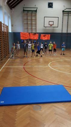 Mattenfangen, ein Spiel für die Volksschule. Mehr Fotos und Videos auf www.dieideefuerbsp.blogspot.com