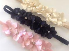 faixa elastico head band com delicadas flores, perolas e strass varias cores ...  consulte-nos