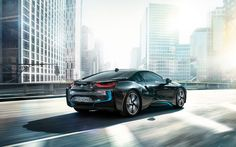 The BMW i8 in Sophisto Grey metallic with BMW i Frozen Blue accent