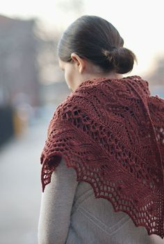 Modèle de tricot - Brooklyn Tweed Châle JUNEBERRY TRIANGLE