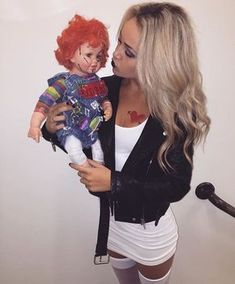 Looking for Halloween outfit recommendations, here are some of the well-known Halloween outfits of all time. Don't miss out on our collection of Halloween outfits to help kickstart your imagination. Bride of chucky! Bride Of Chucky Halloween, Bride Of Chucky Costume, 90s Halloween Costumes, Halloween Inspo, Couple Halloween, Diy Costumes, Costumes For Women, Halloween Makeup, Halloween Party