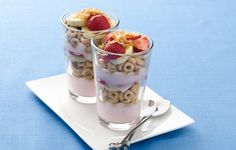 Tropical Banana Nut Parfaits Recipe, Layered fruit, yogurt and Banana Nut Cheerios® cereal make a quick and good-for-you treat. Fruit Parfait, Parfait Desserts, Parfait Recipes, Yogurt Parfait, Healthy Breakfast Menu, Healthy Snacks, Breakfast Recipes, Snack Recipes, Healthy Eating