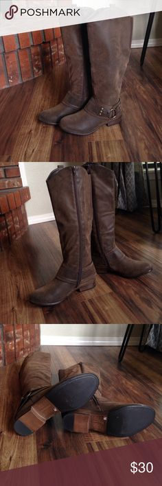 Crown Vintage Borne riding boot Crown Vintage Borne riding boot. They have never been worn. Crown Vintage Borne Shoes Heeled Boots