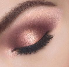 Rose gold and mauve eyelids with the brand new Colour Riche Pocket Palette Eye Shadow in shade Avenue Des Roses.: