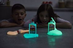 Slime that glows in the dark? Glow-in-the-Dark Slime with new Elmer's glue Borax Slime, Slime No Glue, Diy Slime, Cute Diy Room Decor, Elmer's Glue, Activity Days, Cute Diys, Neon Colors, Kids Playing