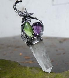 Elfský amulet...(křišťál, olivín, ametyst)