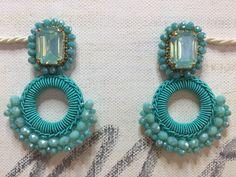 Bracelet Crafts, Jewelry Crafts, Diy Earrings, Crochet Earrings, Silk Thread Bangles Design, Jewelry Making Tutorials, Bead Crochet, Crochet Accessories, Jewelry Patterns