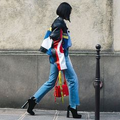 Statement jacket, cropped jeans, ankle boots. 3 trends-1 outfit!Inspiring street style from #parisfashionweek @handinfire photo by @ydavydova @voguerussia #style#styling#stylish#street#streetstyle#fashion#fashionable#cool#instamood#instafashion#trend#wardrobe#moda#shoes#loveit#streetlook#sexy#instyle#tagsforlikes#luks#followme#luxury#blogger#fashionweek#luxurystyle#luxuryfashion#tiffanyhsu#pfw#ss17