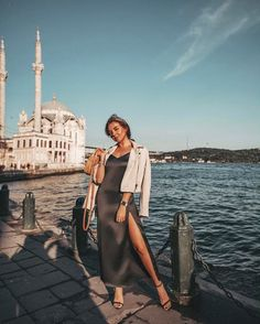 Istanbul Pictures, Baku City, Istanbul Travel, Honeymoon Places, Girl Photo Shoots, Travel Outfit Summer, Exotic Places, Turkey Travel, Beautiful Moments