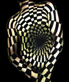 c9522bde161 Wonderfully Disorienting 3D Illusion Body Paintings