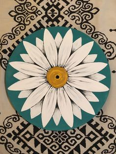 diy wall clocks 585819864013912603 - Daisy Clock Source by Cute Canvas Paintings, Small Canvas Art, Record Wall Art, Cd Art, Vinyl Art, Vinyl Record Crafts, Vinyl Records, Aesthetic Art, Painting Inspiration