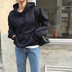 Source by krishamick Hoodie outfit Mode Outfits, Fall Outfits, Casual Outfits, Fashion Outfits, Womens Fashion, Black Hoodie Outfit, Noora Style, Jeans Boyfriend, Aesthetic Clothes