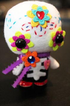 This is CUUTE! #DayoftheDead #Feltie! #DiaDeLosMuertros