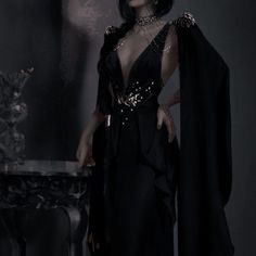 Queen Aesthetic, Princess Aesthetic, Aesthetic Hair, Kleidung Design, Dark Princess, Fantasy Gowns, Prom Dresses, Formal Dresses, Belle Photo