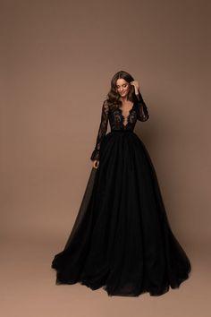 Pretty Prom Dresses, Beautiful Dresses, Gorgeous Dress, Black Party Dresses, Gala Dresses, Long Fancy Dresses, Black Quinceanera Dresses, Maxi Gowns, Black Wedding Gowns