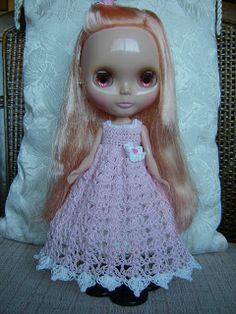 RetroSandie: Blythe's Finished Crocheted Dress